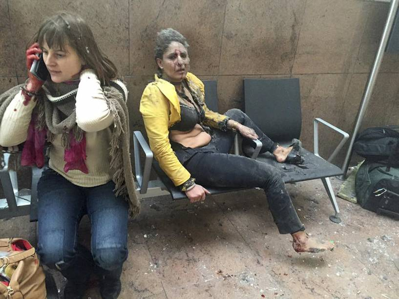 Dezenas de pessoas ficaram feridas após ataque terrorista no aeroporto de Zaventem, perto de Bruxelas, na Bélgica - 22/03/2016