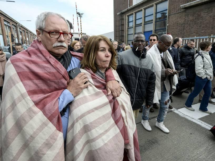 Passageiros do metrô são evacuados do aeroporto de Bruxelas, em Zaventem após uma explosão provocada por terroristas - 22/03/2016