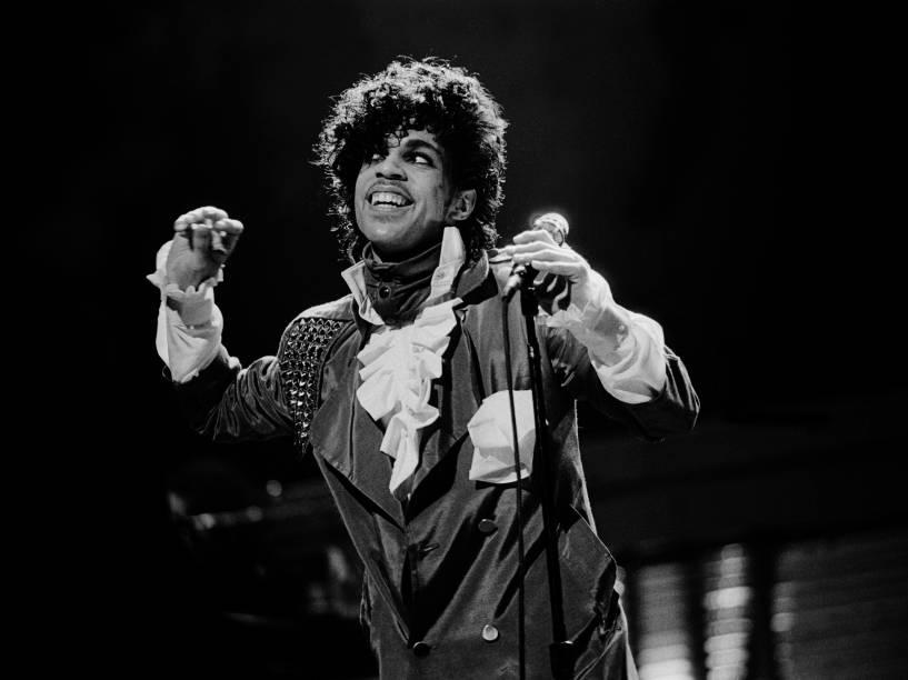 Prince durante apresentação em Chicago em dezembro de 1982