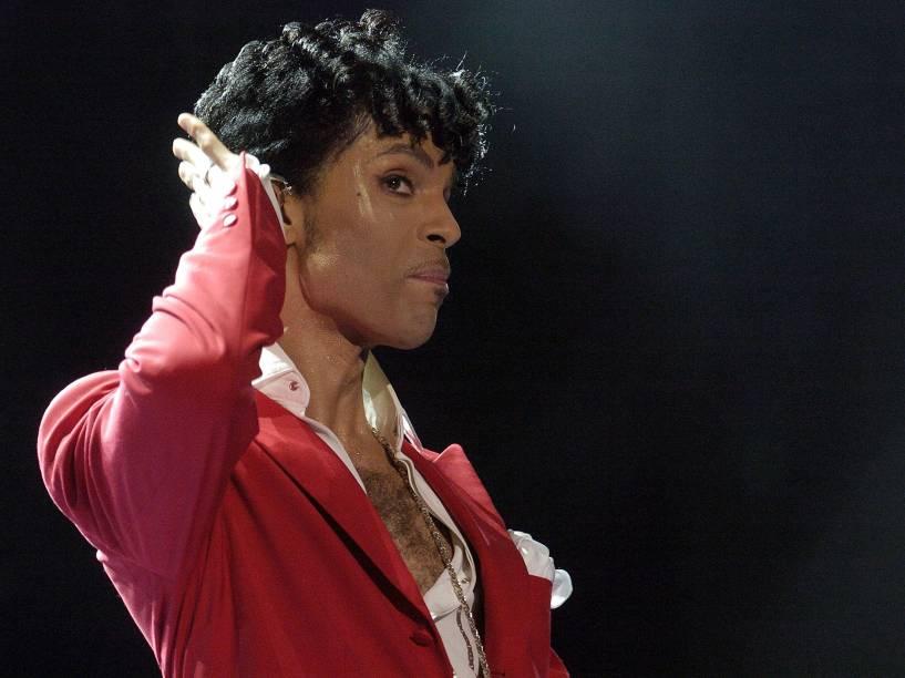 Prince se apresenta no Essence Music Festival em Nova Orleans, estado americano da Louisiana em 2004