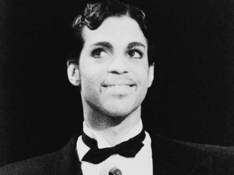 Prince durante o American Music Awards em 1985