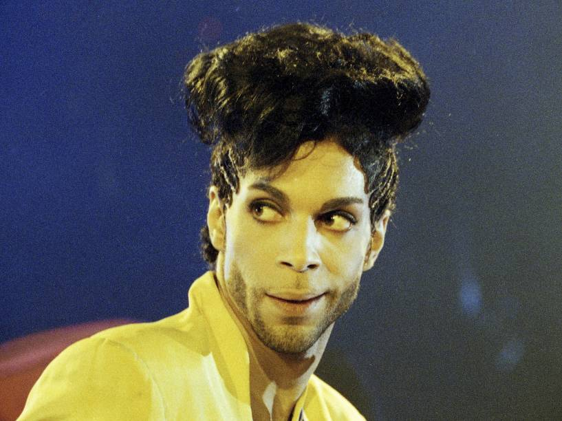 Prince durante show da turnê do album Diamons and Pearls em Londres no ano de 1992