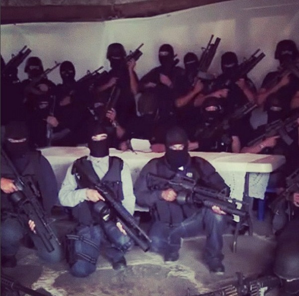 Os narcos exibem seu poder de fogo