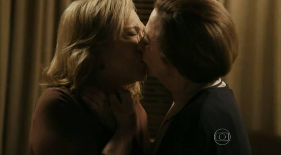 Fernanda Montenegro e Nathalia Timberg são Teresa e Estela, casal gay fofo de Babilônia