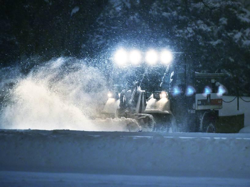 Intensa nevasca atinge os EUA e ao menos 9 morrem em acidentes de trânsito
