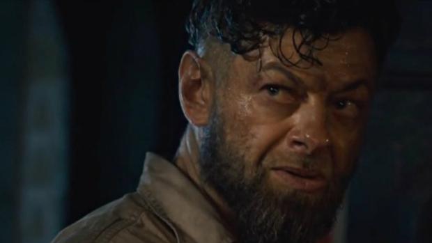 Andy Serkis em cena do filme Os Vingadores: A Era de Ultron