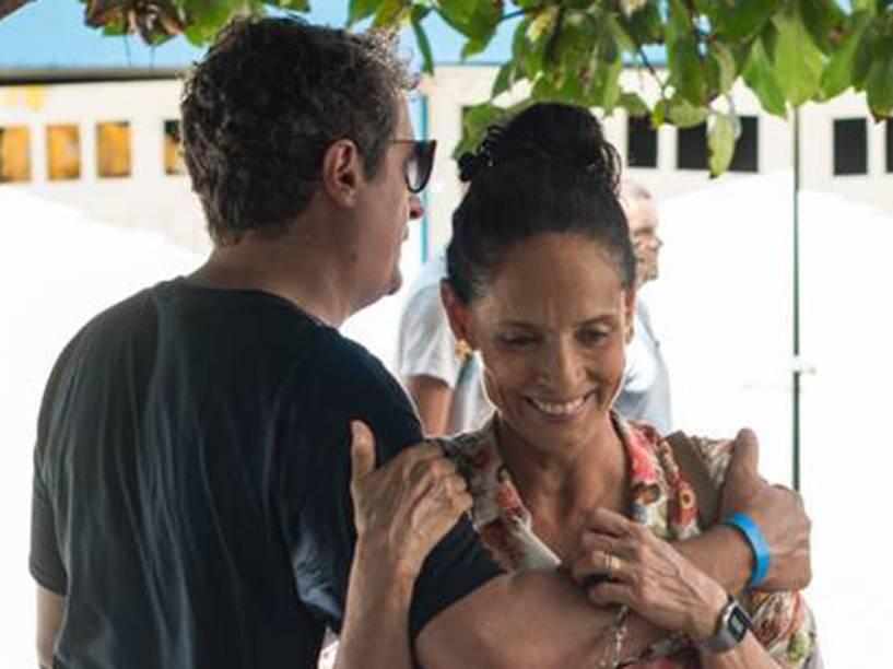 Kleber Mendonça Filho e Sonia Braga, durante as filmagens de Aquarius