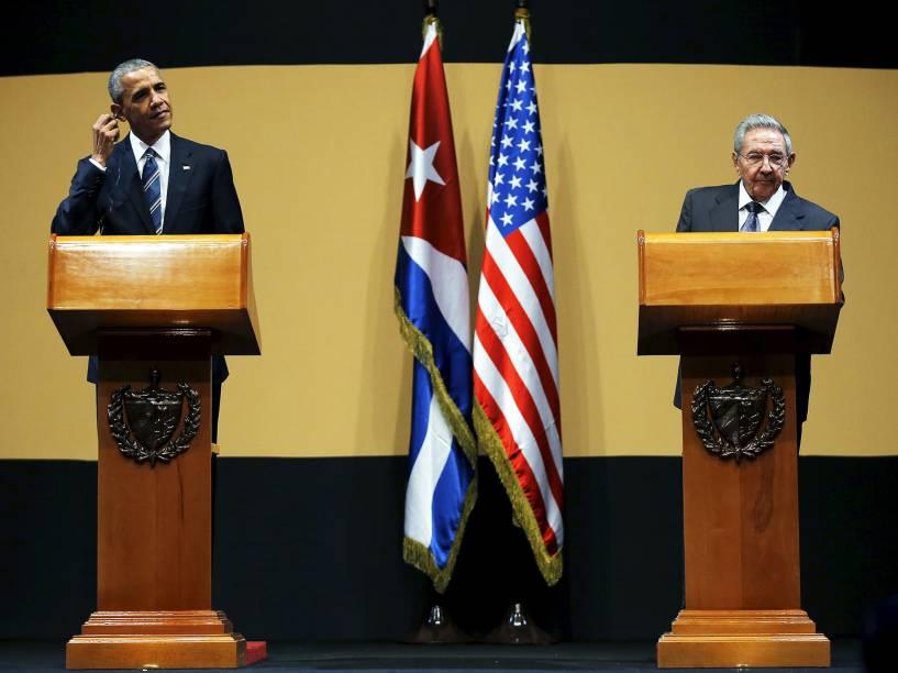 Presidente americano Barack Obama, e o cubano Raúl Castro, durante coletiva de imprensa, na capital de Cuba, Havana, nesta segunda-feira (21). Este é o terceiro dia da visita histórica do presidente dos Estados Unidos à ilha