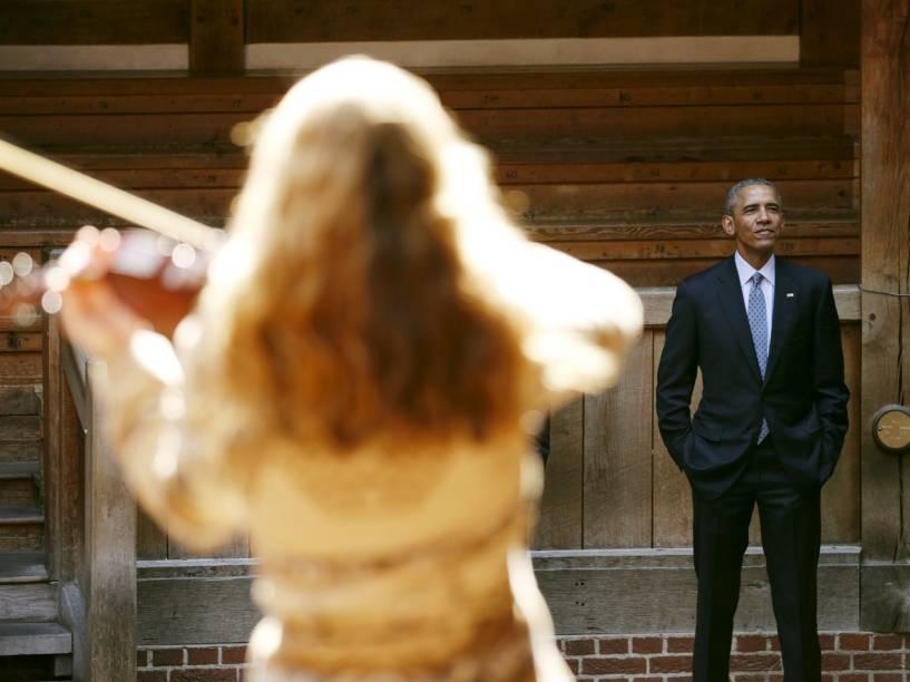 Presidente Barack Obama acompanha apresentação da peça Hamlet, escrita por William Shakespeare, em Londres. Comemora-se hoje o aniversário de 400 anos de sua morte - 23/04/2016