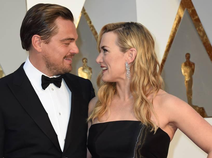 Leonardo DiCaprio antes do início do Oscar 2016 no Teatro Dolby, em Los Angeles