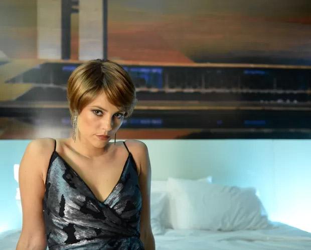 Paolla Oliveira como a prostituta de luxo Denise, da série Felizes para Sempre?, da Globo
