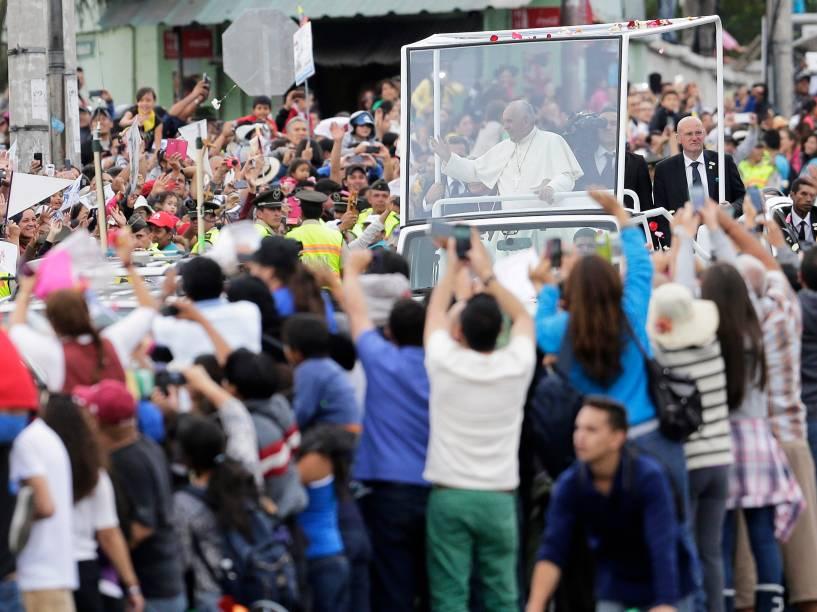 Papa Francisco passeia por Quito, no Equador - 05/07/2015