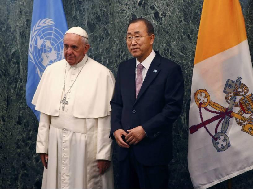 O papa Francisco e o secretário-geral da ONU Ban Ki Moon na sede da entidade, em Nova York