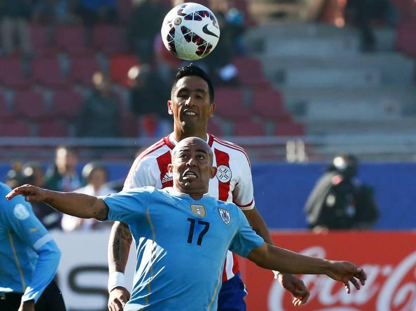 Partida entre Paraguai e Uruguai, válida pela terceira rodada do Grupo B da Copa América de Futebol, no estádio de La Portada
