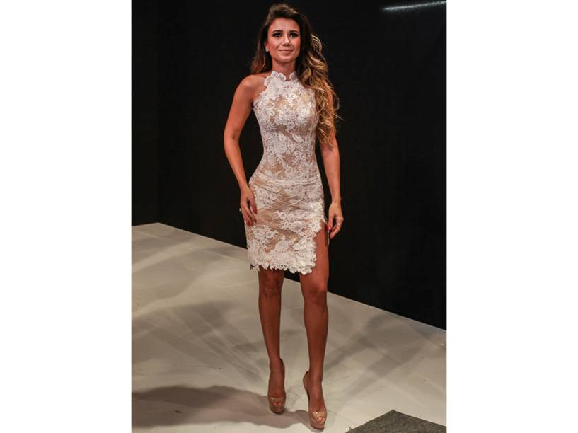 Paula Fernandes, a 97ª mulher mais sexy do mundo em 2015, segundo leitores da VIP