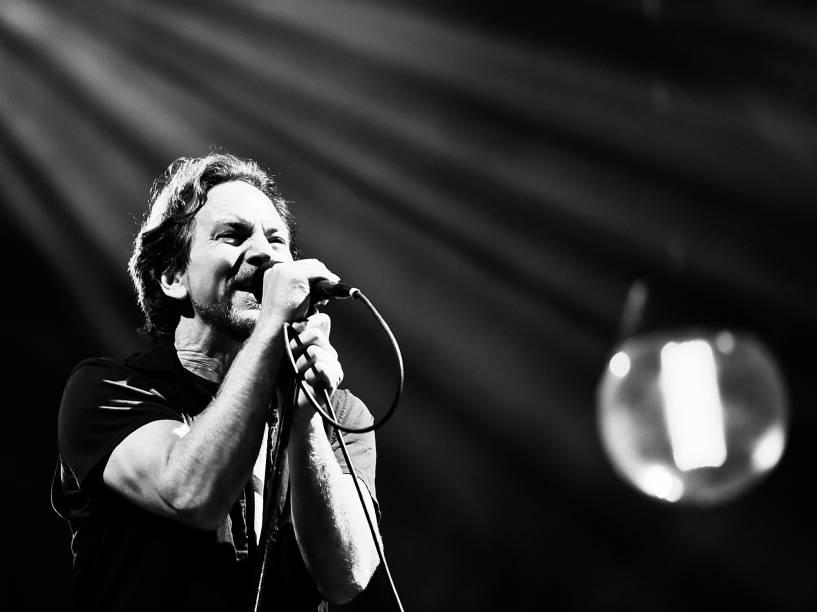Pearl Jam volta a São Paulo e faz show para milhares de pessoas no Estádio do Morumbi