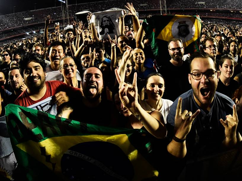 Público durante show da banda americana Pearl Jam na capital paulista