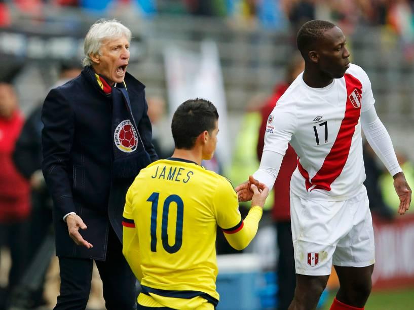 James Rodriguez na partida entre Colômbia e Peru no Estádio Municial Germán Becker