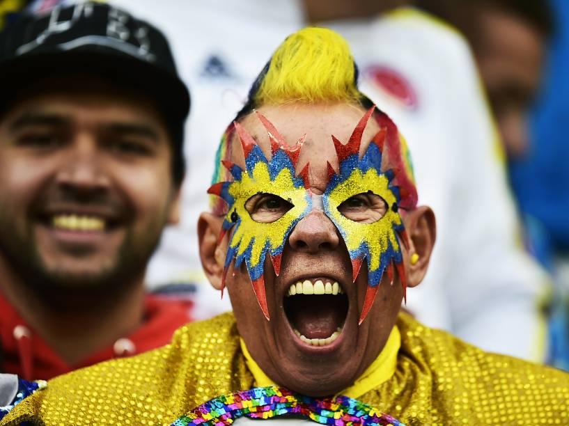 Torcedor do Peru durante a partida contra a Colômbia pela última rodada do grupo C da Copa América, em Temuco, no Chile, neste domingo (21)