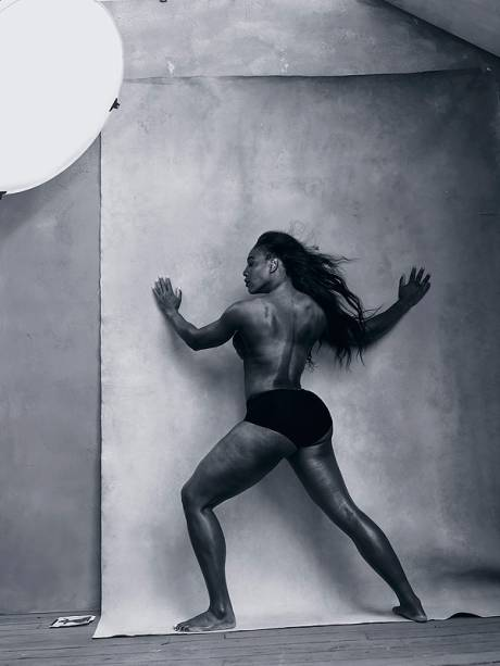 Serena Williams posa para o calendário Pirelli 2016