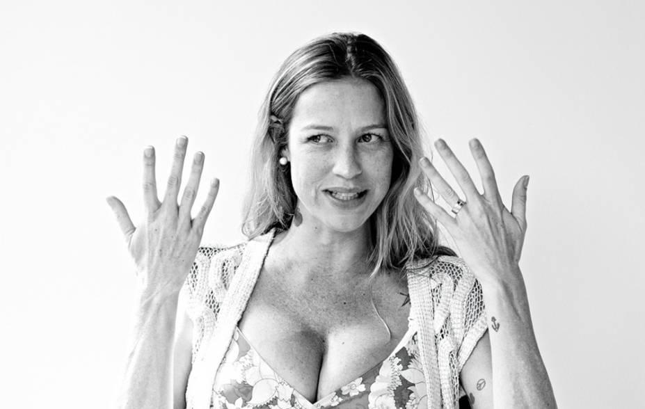 Luana Piovani durante entrevista para a Playboy