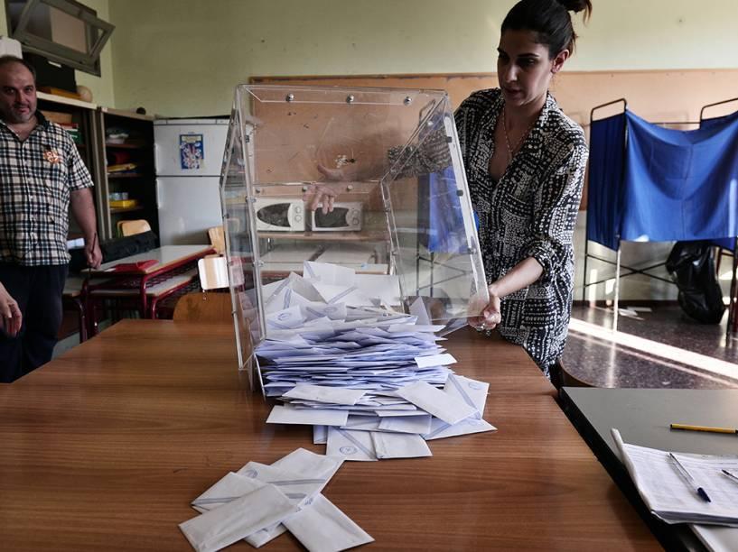 Contagem de votos em Atenas, na Grécia
