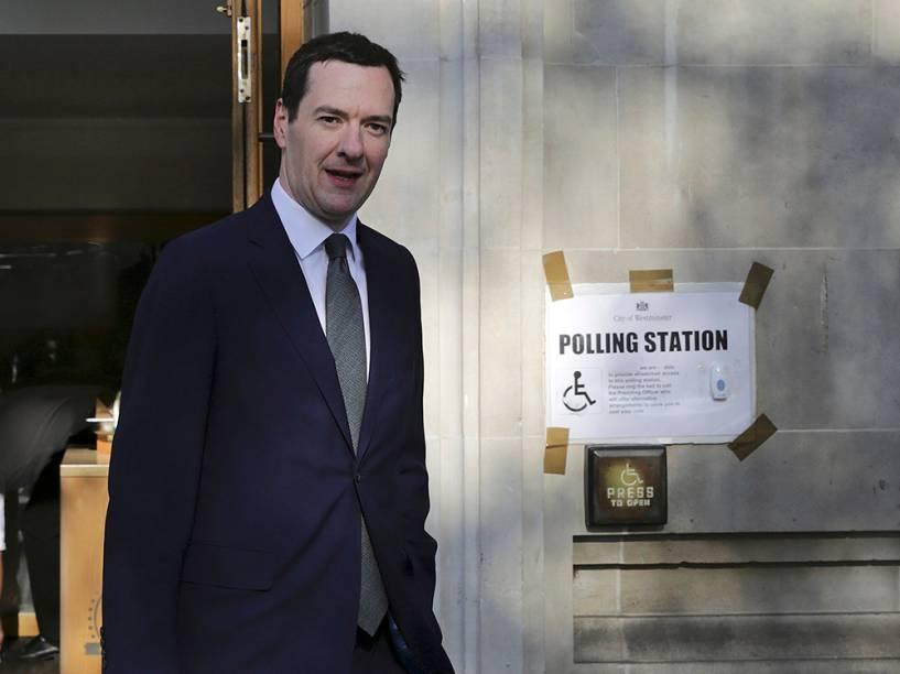George Osborne, Chanceler do Tesouro no Reino Unido, deixa zona eleitoral após votar para a escolha do novo prefeito londrino - 05/05/2016
