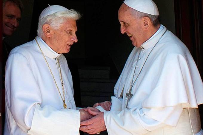 alx_pope-and-ex-pope_2553043b_original.jpeg