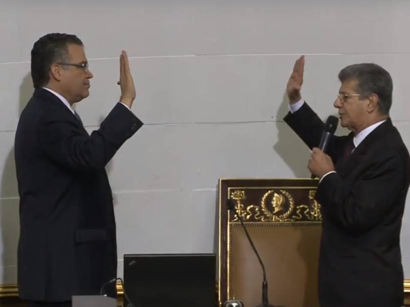 Enrique Márquez, primeiro vice-presidente e Henry Ramos Allup, novo presidente do Parlamento Venezuelano - 05/01/2016