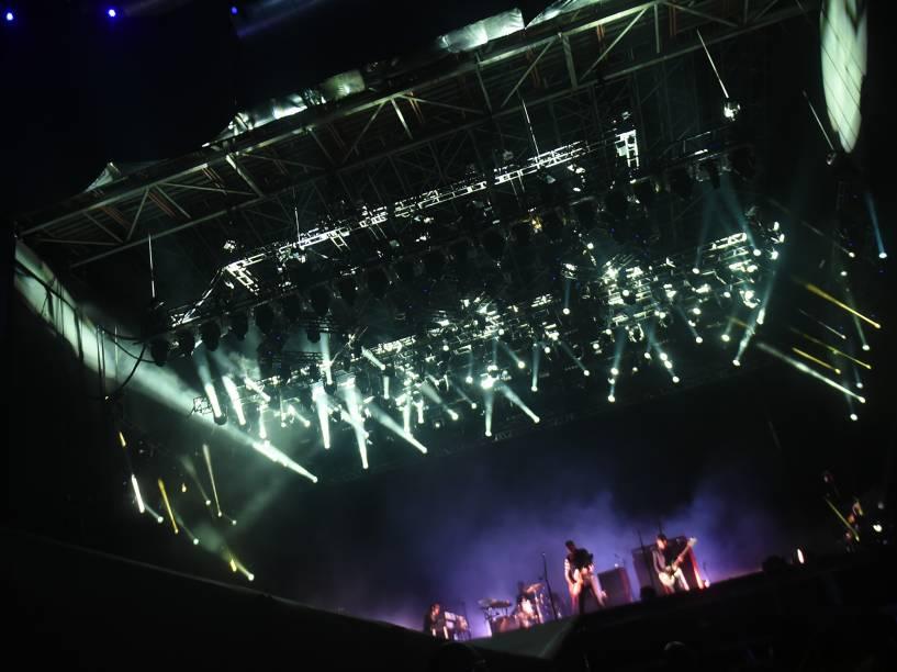 A banda Queens of the Stone Age, durante show no quarto dia do Rock in Rio, zona oeste do Rio de Janeiro, na noite desta quinta-feira (24)