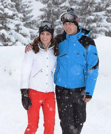 Imagem divulgada pela Monarquia Britânica mostra as férias do príncipe William e Kate Middleton nos Alpes Franceses