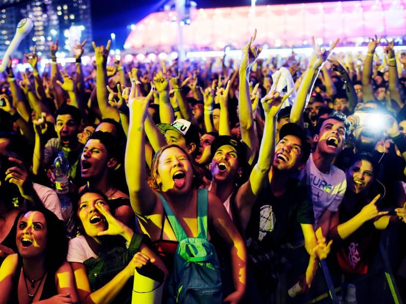 Público vibra durante o show da banda CPM 22, que se apresenta no Palco Mundo na quarta noite do Rock in Rio