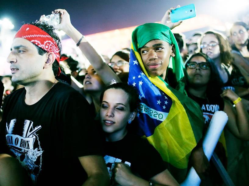 Público durante o show da banda CPM 22, que se apresenta no Palco Mundo na quarta noite do Rock in Rio