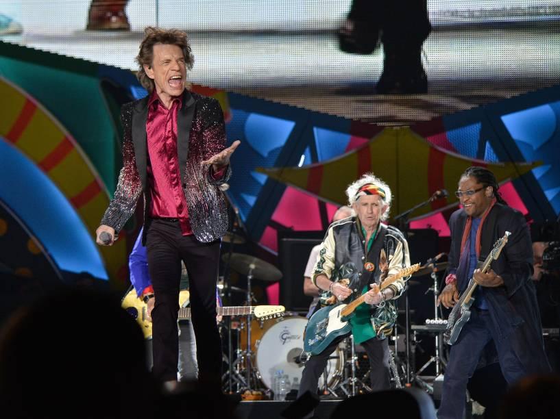 Mick Jagger levanta o público durante show histórico da banda britânica The Rolling Stones em Havana, Cuba - 25/03/2016