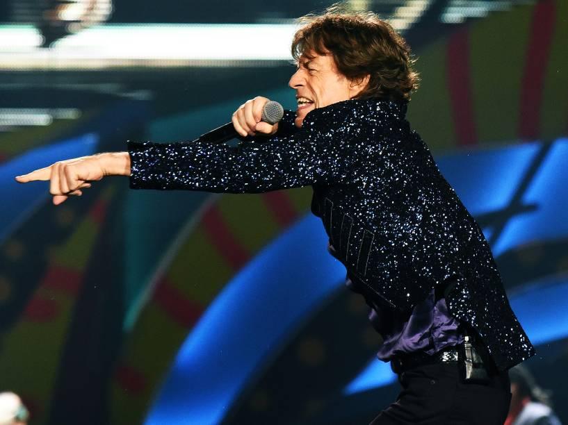"""O vocalista Mick Jagger da banda inglesa Rolling Stones se apresenta, no estádio do Beira Rio, em Porto Alegre com a turnê """"Olé"""", na noite desta quarta-feira (02)"""