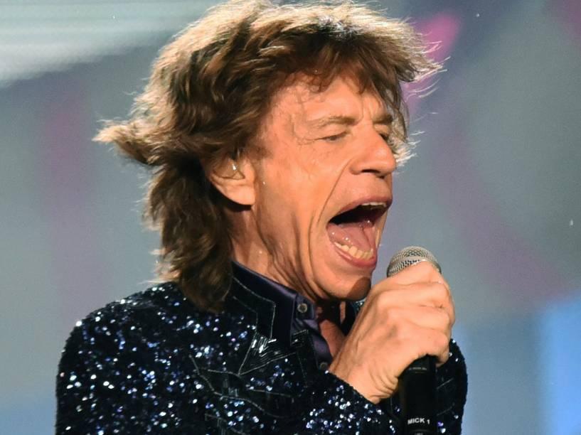 """O vocalista Mick Jagger da banda inglesa Rolling Stones se apresenta, na noite desta quarta-feira (02), no estádio do Beira Rio, em Porto Alegre com a turnê """"Olé"""""""