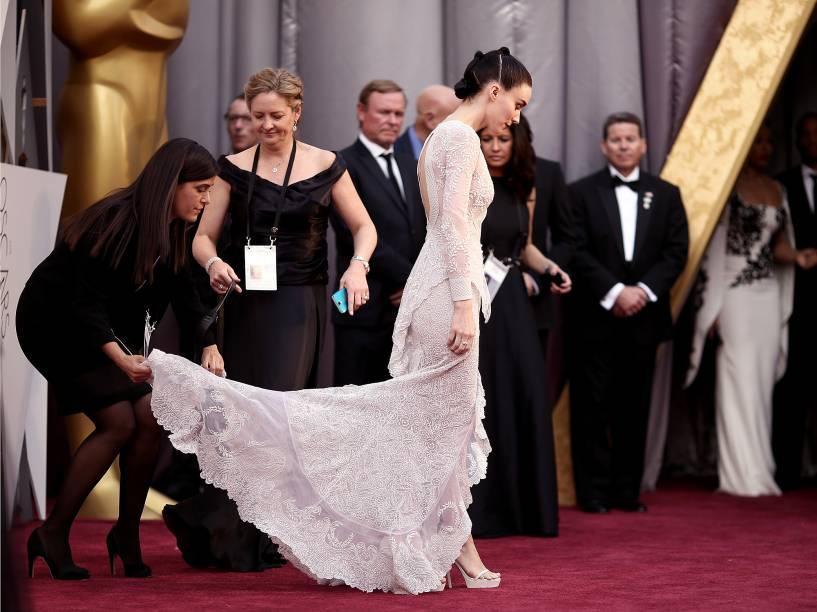 Rooney Mara no tapete vermelho do Oscar 2016