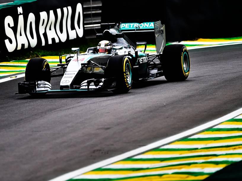 Lewis Hamilton durante treino em Interlagos