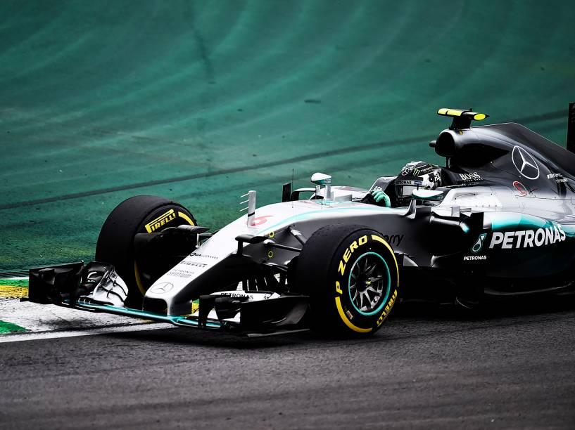 Nico Rosberg durtante treino em Interlagos