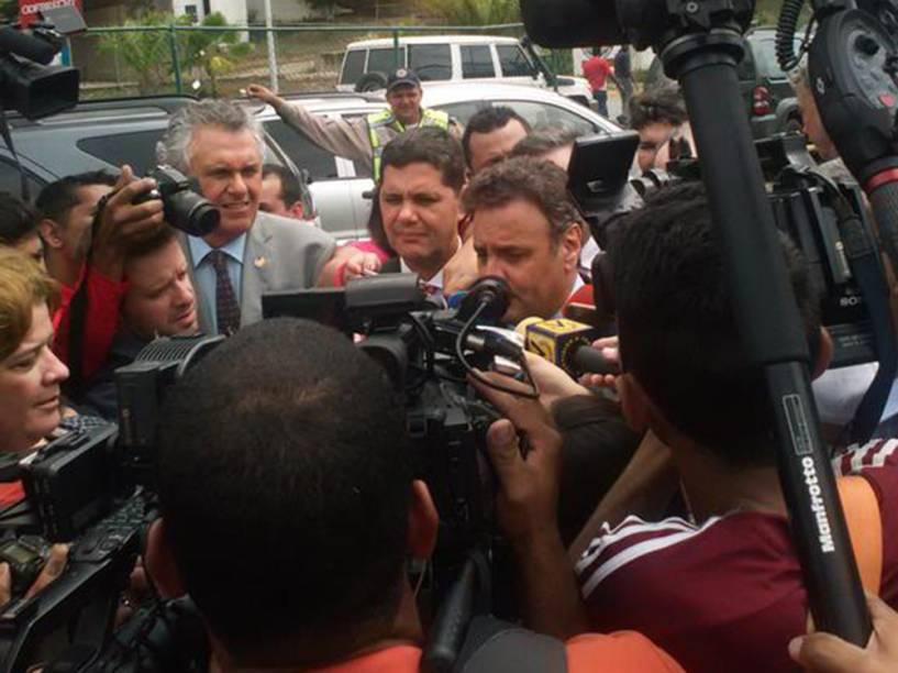 Senadores brasileiros durante visita em apoio aos líderes oposicionistas da Venezuela
