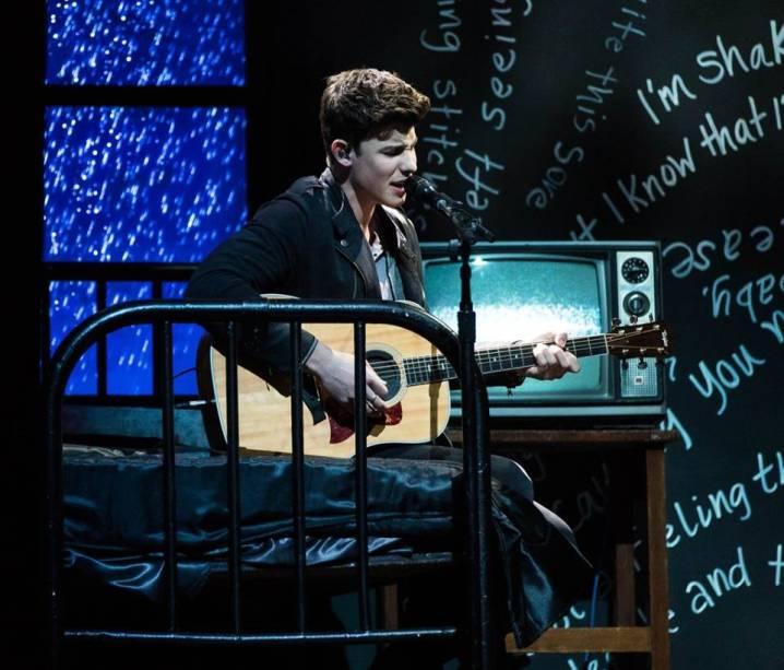 O canadense Shawn Mendes no Billboard Music Awards 2016