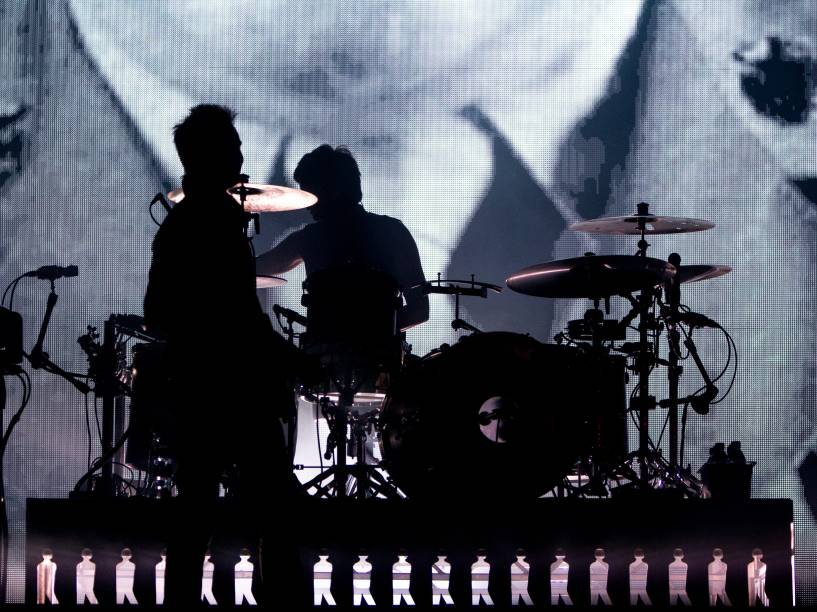 Banda britânica Muse apresenta canções do disco <em>Drones </em>(2015) e grandes sucessos como <em>Madness, Starlight </em>e<em> Uprising</em>