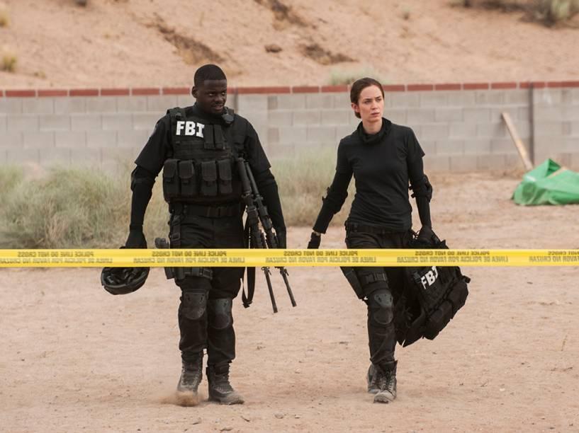 Daniel Kaluuya e Emily Blunt no filme 'Sicario: Terra de Ninguém'