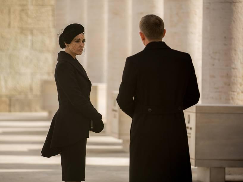 Monica Bellucci e Daniel Craig em cena de 007 contra Spectre