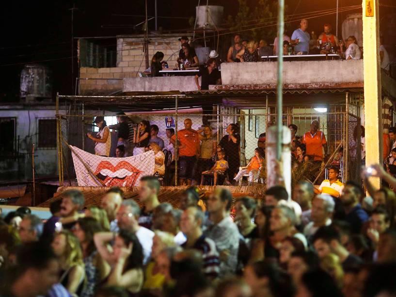 Show histórico da banda britânica The Rolling Stones reúne mais de 450 mil pessoas no complexo Ciudad Deportiva, em Havana