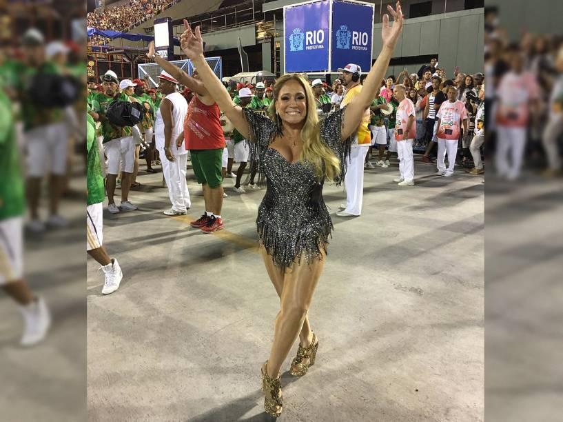 A atriz Susana Vieira durante ensaio técnico da Grande Rio na Marquês de Sapucaí