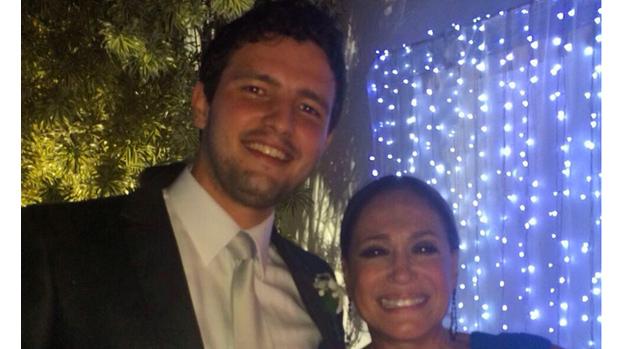 Susana Vieira e o subscritor Guilherme Dornelas Vianna, em festa de casamento, no Rio