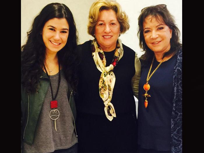 Renata Abravanel, Esther Bezerra e Íris Abravanel, no Templo de Salomão