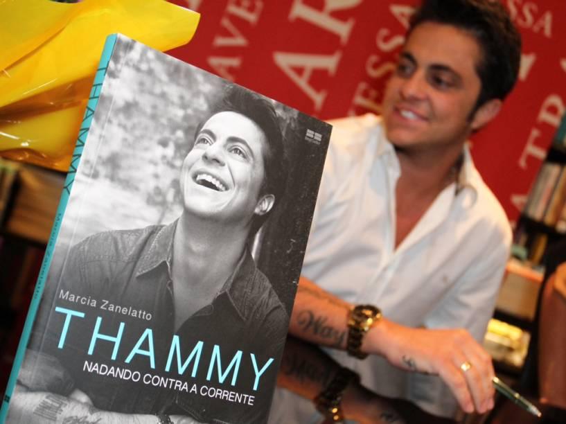 Thammy Miranda no lançamento de sua biografia na Livraria da Travessa, no Rio