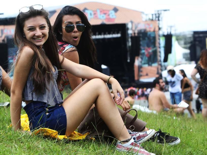 Público durante a 5ª edição brasileira do Festival de Música Lollapalooza, em São Paulo, neste sábado (12)